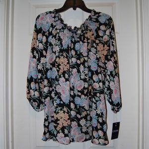 Beautiful Chaps floral blouse NWT
